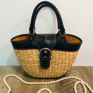 COACH AUTHENTIC Straw tote!